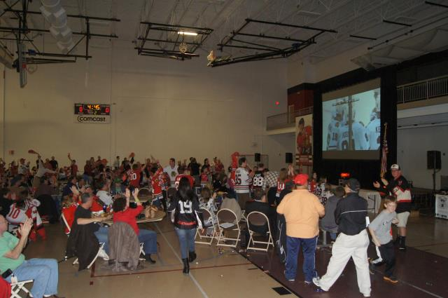 Hawks Score and fans go wild at Blackhawks Roadwatch Party at Libertyville Sports Complex April 9 2013